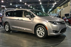 Chrysler Pacifica  (2017–present)