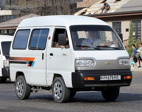Chevrolet Damas Deluxe in Bukhara, front right.jpg