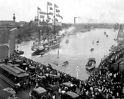 An early version of the ship Jose Gasparilla sails into downtown in 1922