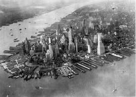 Lower Manhattan circa 1931. East River piers are in the foreground; the North River and North River piers stretch off into the background.