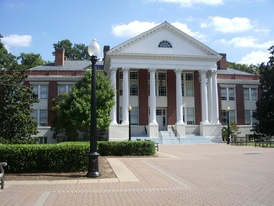 Monroe Hall, built in 1911, at the University of Mary Washington.