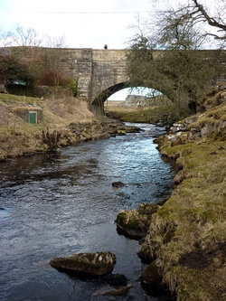 Dibbles Bridge - geograph.org.uk - 1757509.jpg
