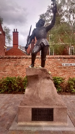 The Richard 3 statue in Leicester.