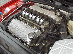 Alfa Romeo DOHC 24-valve V6 engine in 164 Q4