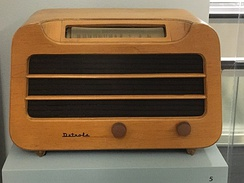 Detrola Model 579 (1946) radio, made of plywood