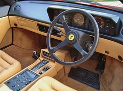 Mondial 3.2 Coupe interior
