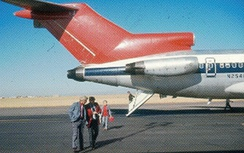 The 727 tail and rear airstairs