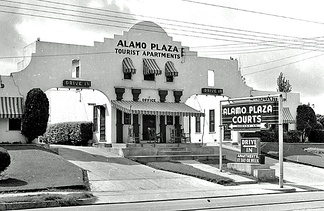 Alamo Plaza Courts in Waco, Texas (1939)