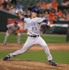 Greinke pitching for the Kansas City Royals in 2009