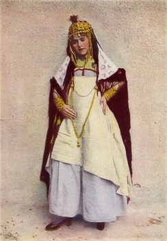 A dancer of the cafes, Algeria, 1917 photograph from National Geographic magazine