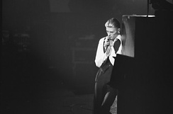 Bowie as the Thin White Duke at Maple Leaf Gardens, Toronto, 1976