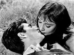 Hepburn with Anthony Perkins in the film Green Mansions (1959)