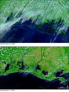 Two satellite images showing the extent of flooding caused by Rita in Louisiana and Texas.