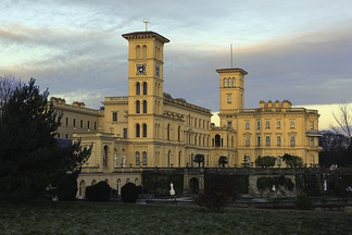 Osborne House, Isle of Wight, England, built between 1845 and 1851. It exhibits three typical Italianate features: a prominently bracketed cornice, towers based on Italian campanili and belvederi, and adjoining arched windows.[1]