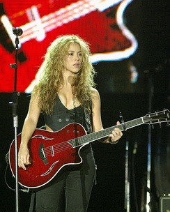 "Shakira performing ""Don't Bother"" at Rock in Rio in 2008."