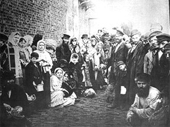 Jews fleeing pogroms, 1882
