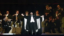 Pavarotti performing at the 2006 Winter Olympics opening ceremony