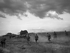 Soviet soldiers and T-34 tanks advancing near Bryansk in 1942