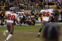Barber (20) in a 2006 game against the Pittsburgh Steelers.