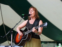 Iris DeMent at Old Settler's Music Festival – Driftwood, Texas, 2007