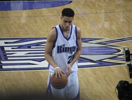 Kevin Martin shoots a free throw at a Kings home game.