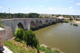 Bridge over the Duero River.