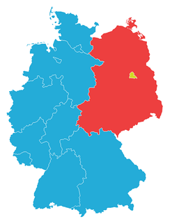 West Germany (blue) and West Berlin (yellow) after the accession of the Saarland in 1957 and before the five Länder from the GDR and East Berlin joined in 1990