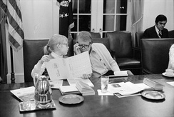 Jimmy Carter and his daughter Amy participate in a speed reading course.