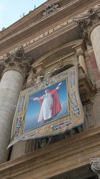 Tapestry of Paul VI on the occasion of his beatification on 19 October 2014.