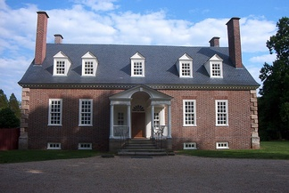 Gunston Hall in May 2006, seen from the front