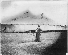 Bernhardt in front of the tent where she performed in Dallas, Texas (March 1906)