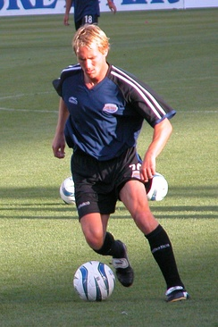 Chris Henderson playing for the Rapids in 2004