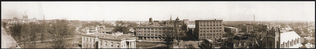 Panorama of downtown Jackson in 1910. The Old Capitol and Capitol Street can be seen at the center of the photo. The New Capitol is at the left.