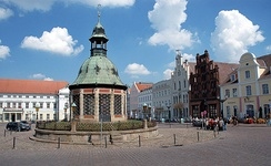 Wasserkunst and fountain from 1602 in Wismar, Germany. It's an example of pre-industrialization waterworks and fountain.
