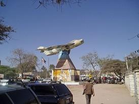 Памятник эпохи гражданской войны в Харгейсы. В 1988 году в ходе бомбардировки город был разрушен более чем на 70%.
