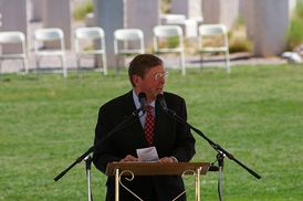 Domenici speaking at an Albuquerque Memorial Day event