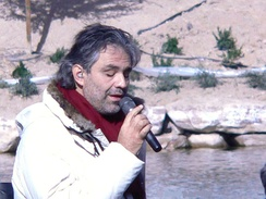 Bocelli rehearsing for his Under the Desert Sky concert in Lake Las Vegas, 2006