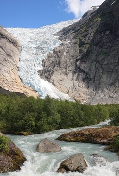 Briksdalsbreen, one of the arms of Jostedalsbreen, the largest glacier on the European mainland. The largest glaciers in Norway are on Svalbard.