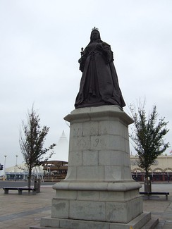 Statue of Queen Victoria on Nevill Street