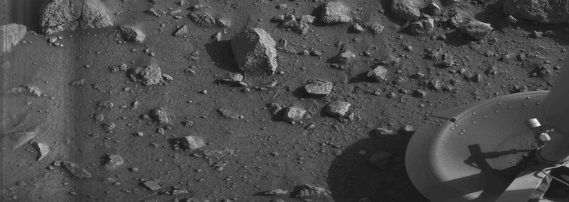 "Panorama of rocks near the Viking 1 Lander (July 20, 1976) - First ""clear"" image ever transmitted from the surface of Mars."