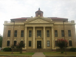 Red River Parish Courthouse in Coushatta