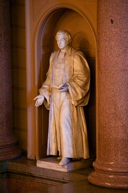 M'Neile's statue in St Georges Hall