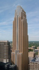 Wells Fargo Center in Minneapolis, by César Pelli, completed 1988