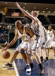 A 2004 Army-Navy basketball game