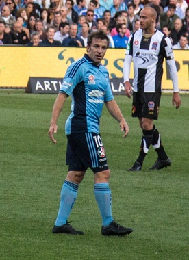 Del Piero playing for Sydney FC in 2013