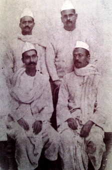(Sitting L to R) Rajendra Prasad and Anugrah Narayan Sinha during Mahatma Gandhi's 1917 Champaran Satyagraha.