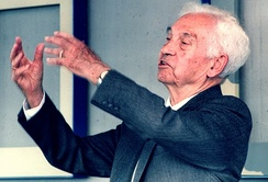 Ernst Mayr proposed the widely used Biological Species Concept.