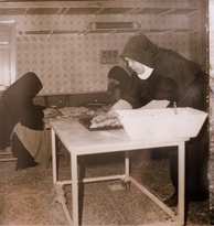 Benedictine Sisters of Caltanissetta producing the crocetta of Caltanissetta