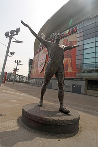 Tony Adams statue outside the Emirates Stadium