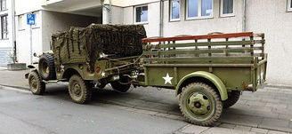 "The ""Ben Hur"" 1-ton, 2-wheel cargo-trailer was frequently mated to the WC series trucks."